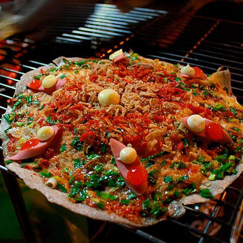 Bánh tráng nướng- món ăn vặt mang tính nghệ thuật