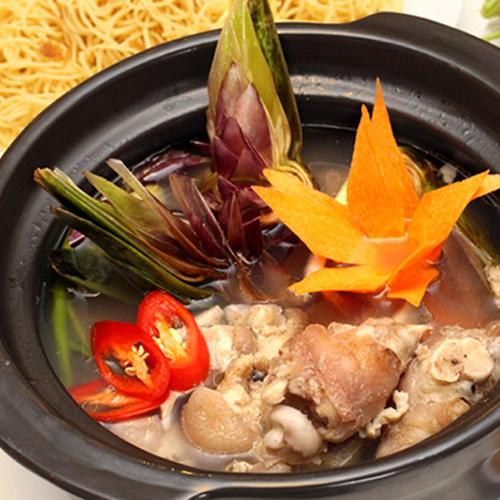 Du lịch Đà lạt thì nhớ nếm món ăn được Kỷ lục châu Á công nhận - canh Atiso hầm giò heo